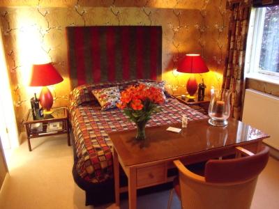 Adam's naturist retreat - bedroom