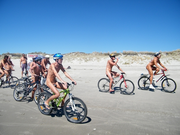 nakedbikeride-3